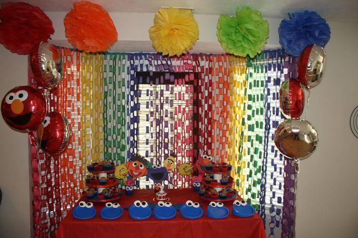 colorful sesamo village children's party decoration