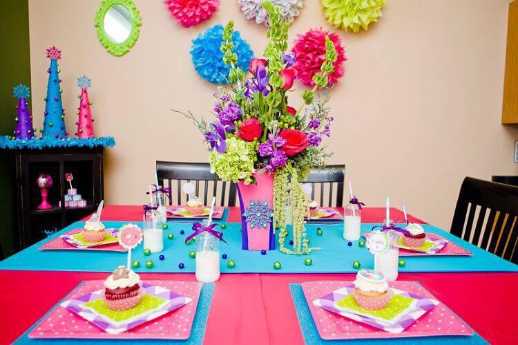 children's party decoration guest table