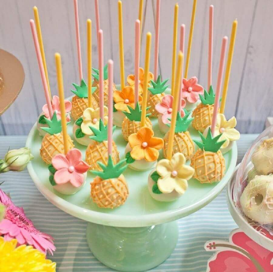 cake pop for tropical party Photo Pinterest