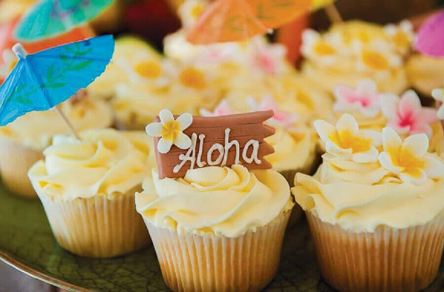 cupcake for tropical party Photo We Share Ideas