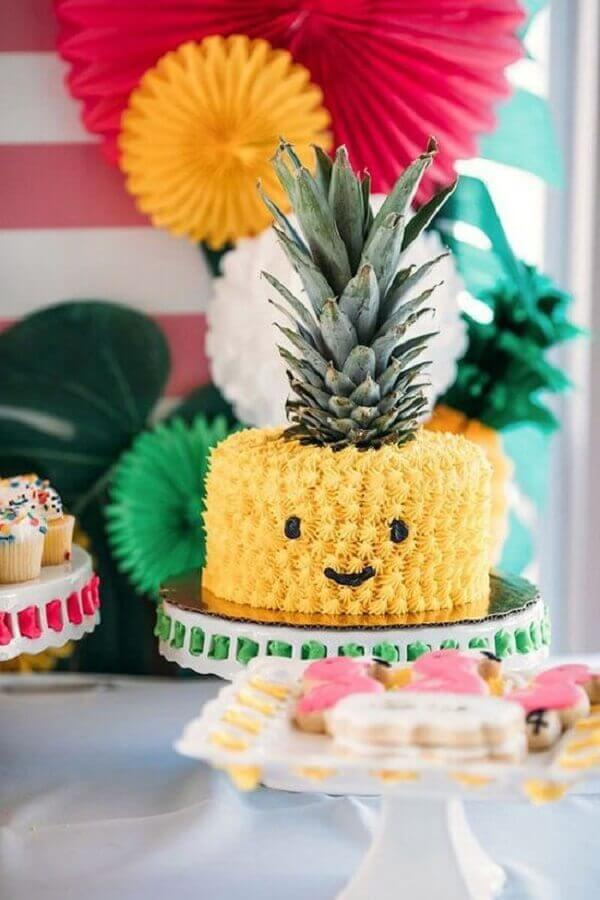 tropical children's party with pineapple cake Foto Pinterest