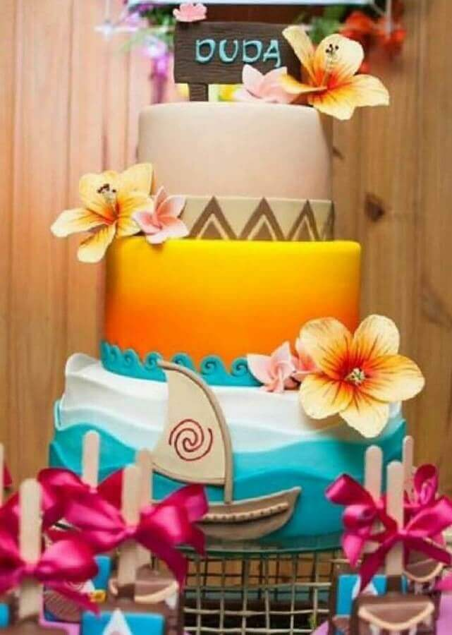 beautiful tropical cake decorated with sea waves sun and flowers Foto Pinterest