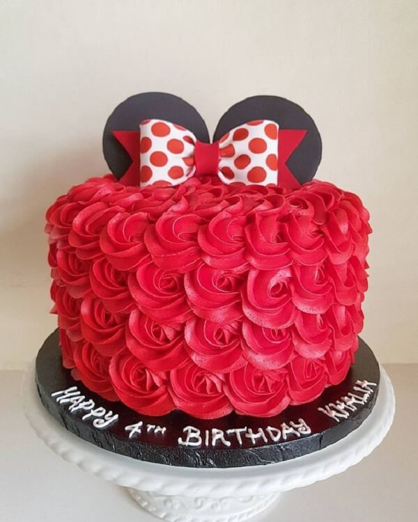 Red minnie party cake