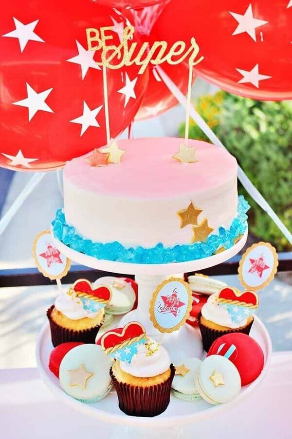 Wonder Woman Party Decorated Cake Photo My Little Party