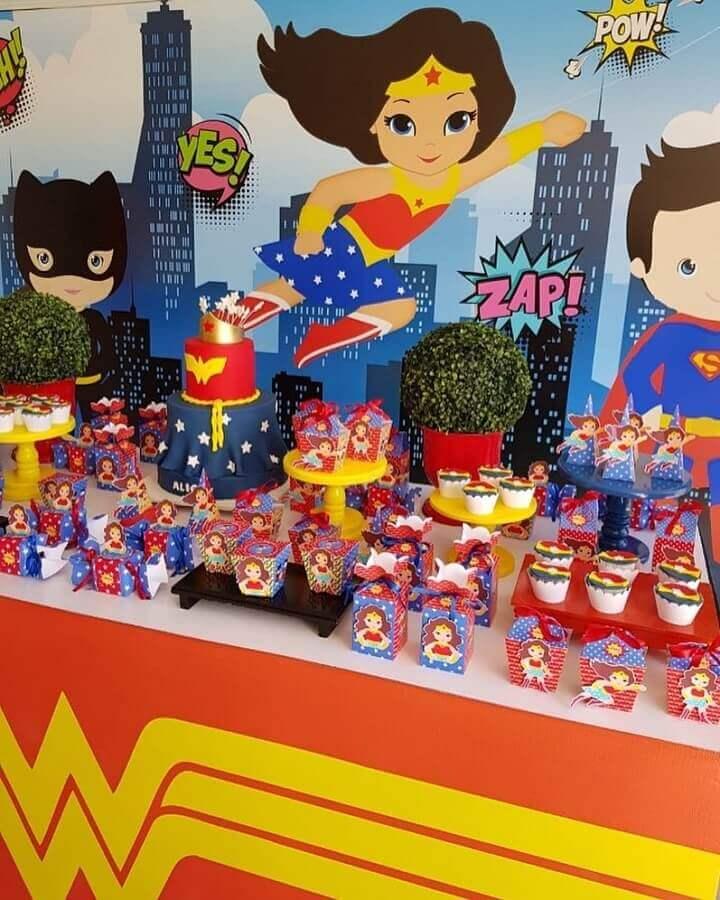 souvenir boxes for party woman wonder Photo My Party