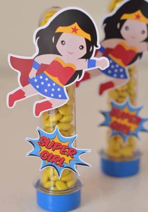little souvenir for the wonder woman party Foto Pinterest