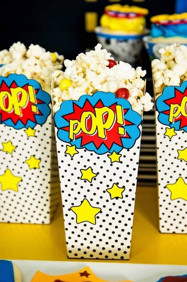 Popcorn bag for Wonder Woman Party Photo My Little Party