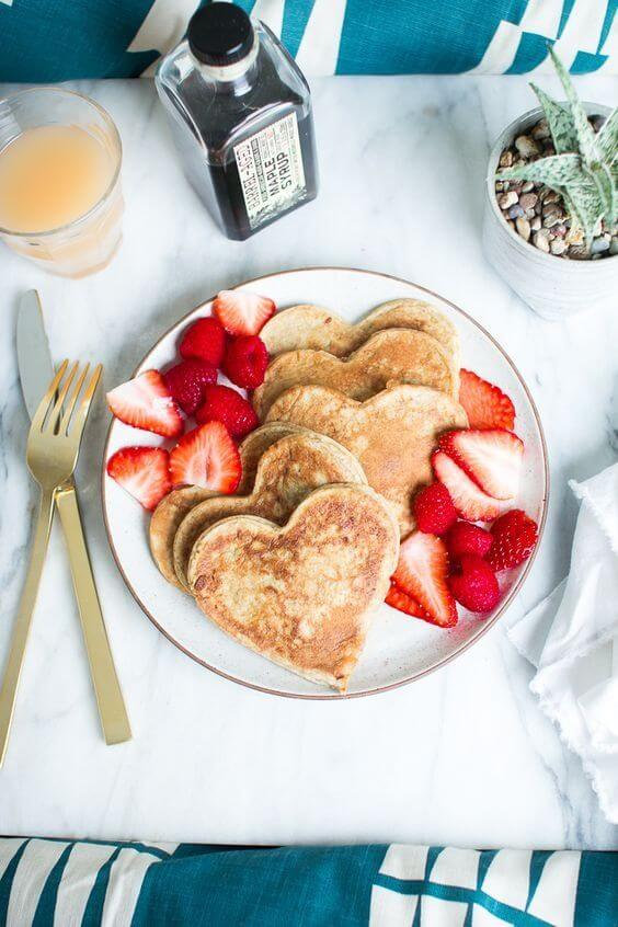 Breakfast in bed, one of the best ideas for Valentine's Day