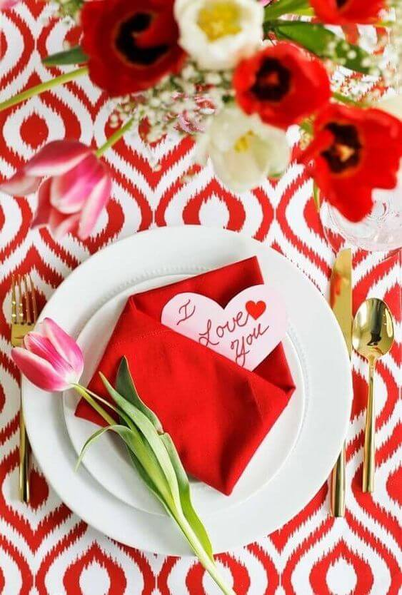 Valentine's Day ideas with red and pink decoration