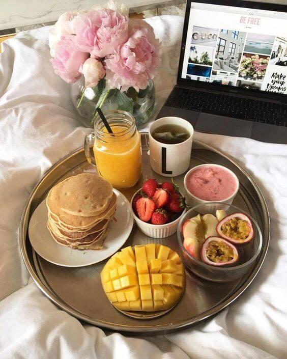Valentine's Day ideas with breakfast