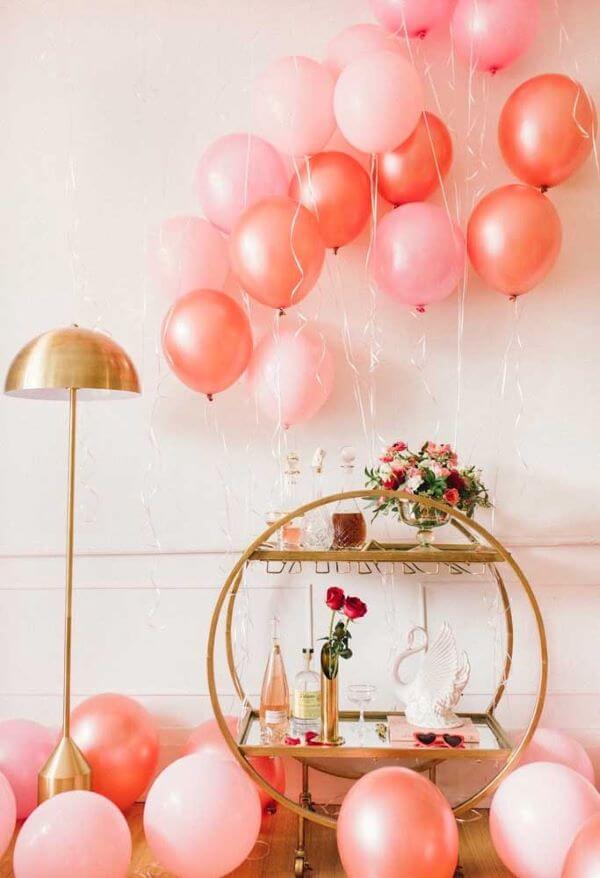 Valentine's Day ideas with metallic balloons