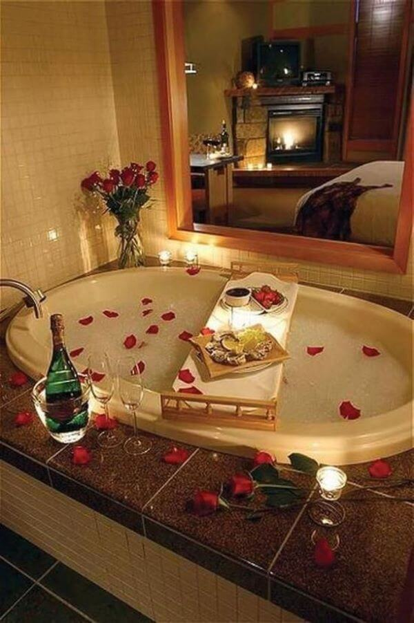 Valentine's Day Ideas in the Bathtub