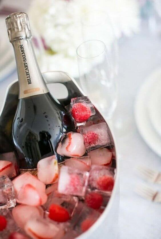 Valentine's Day ideas with champagne