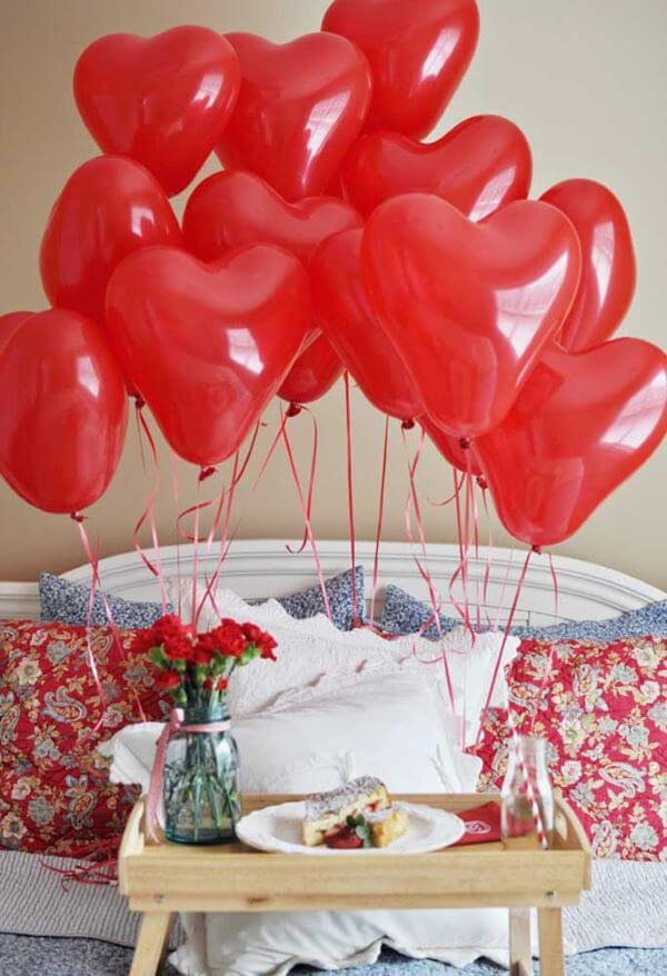 Simple Valentine's Day ideas with red balloons
