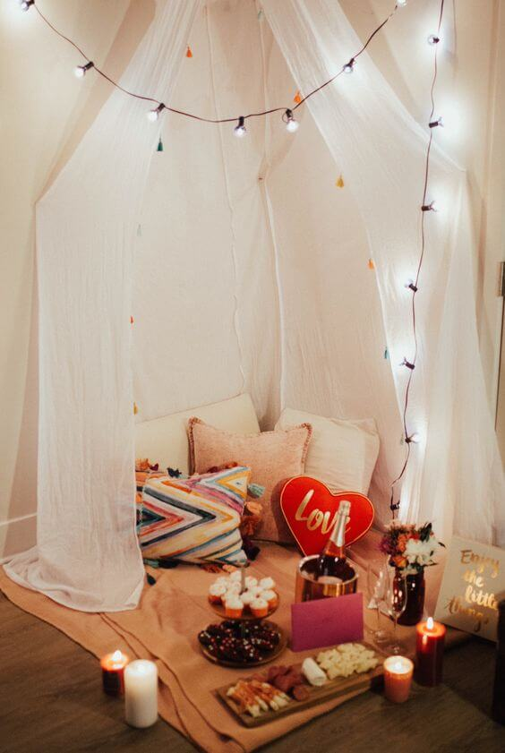 Romantic corner for the couple, ideas for Valentine's Day
