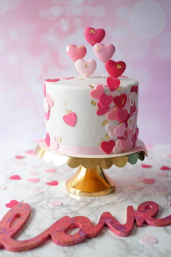 Valentine's Day ideas with decorated cake