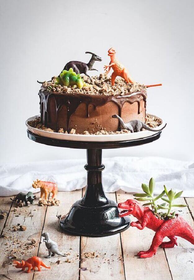 simple dinosaur party cake model Photo Tani Rosenda