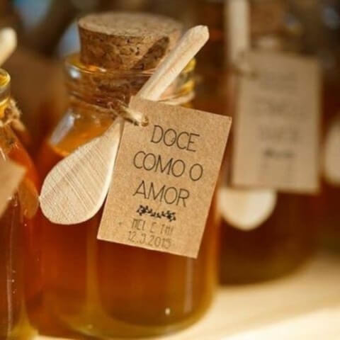 Honey pots for those who like birthday memories