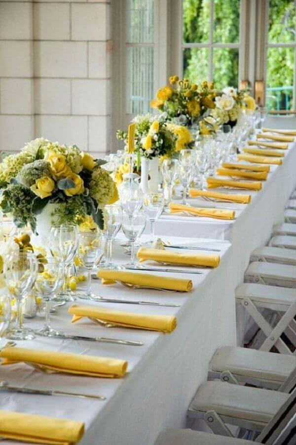 wedding colors yellow and white Photo Country House Wedding Venues