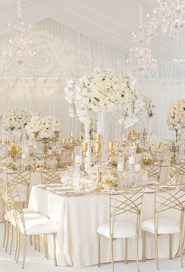 white wedding colors with gold details Foto Pinterest