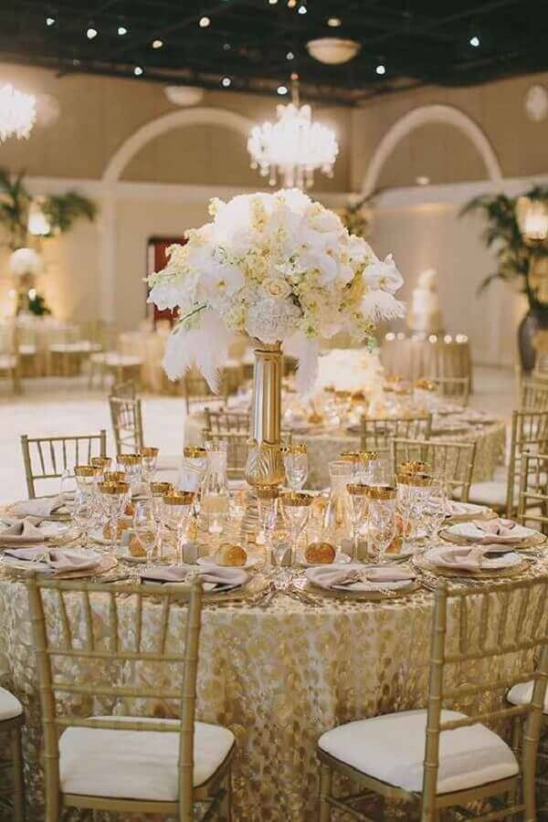 wedding colors white and gold Photo Pinterest