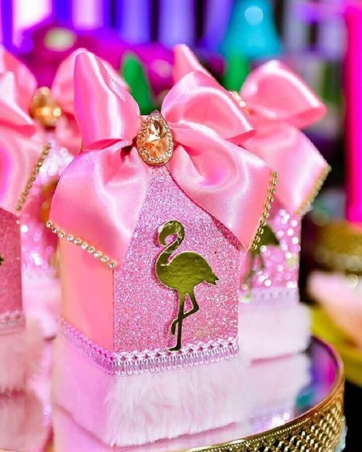 personalized boxes for flamingo theme party Photo Natan Alves