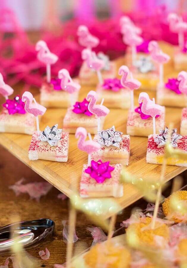 tropical flamingo party candies Photo Pinterest