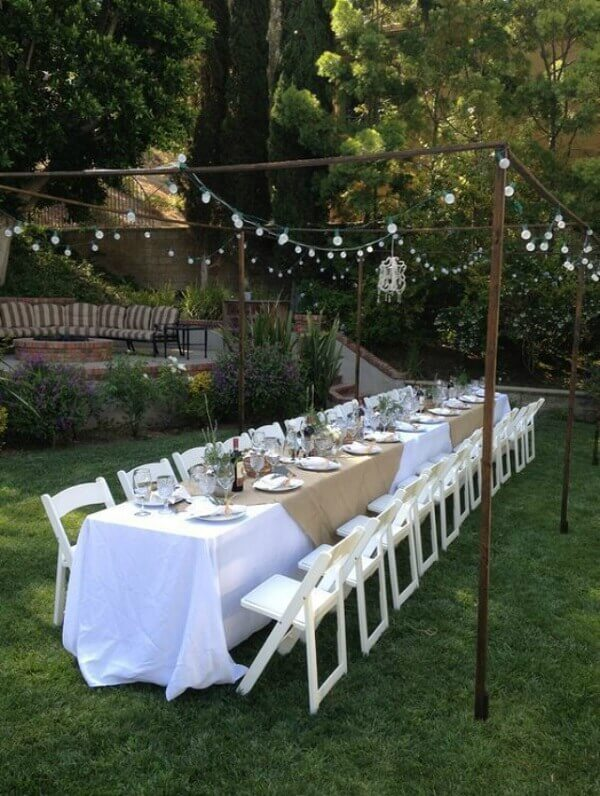 Engagement decoration comfortably accommodates guests
