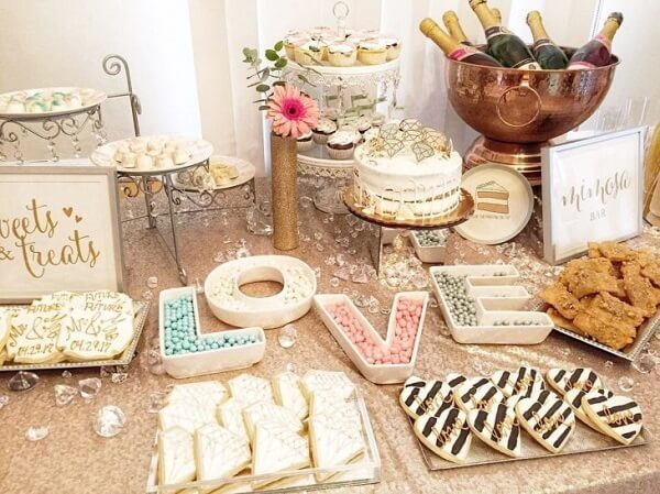 Decorate the cake table with creative sweets