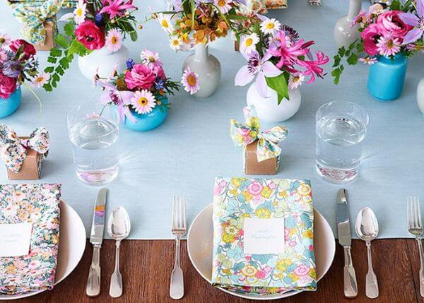 Colourful and cheerful birthday table souvenir