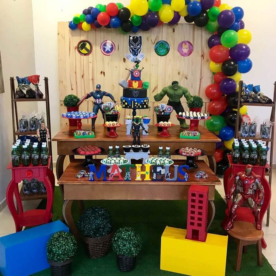 simple avengers party Photo Ana Carol Artes