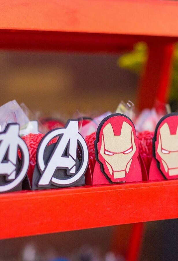 candy forms for avengers party Foto Pinterest