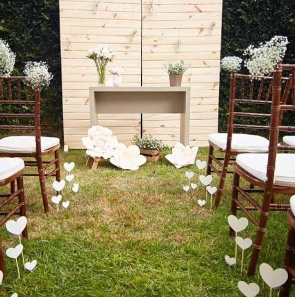 Simple wedding decoration with paper flowers