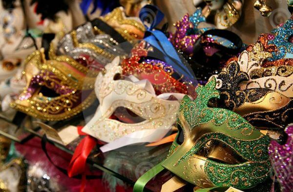 Colourful and varied masks for the party