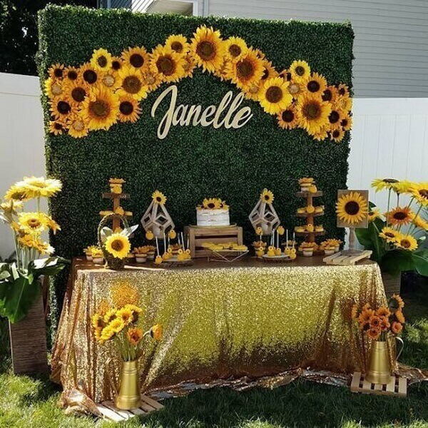 15 year party sunflower theme with panel made with foliage