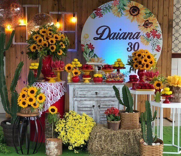Mix different shades in the sunflower theme birthday party decoration