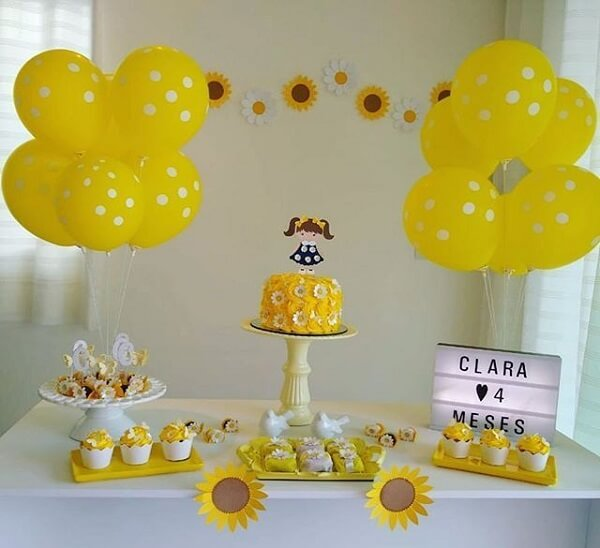 Simple child decoration for sunflower theme party