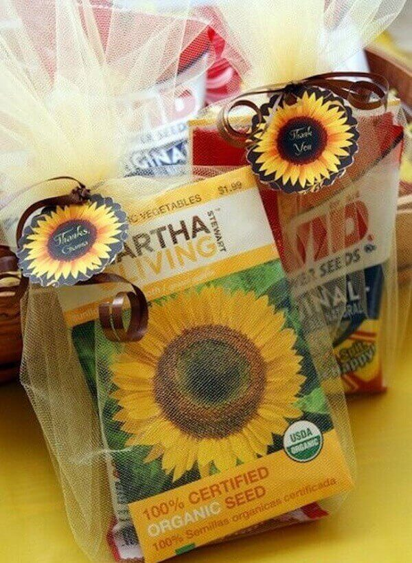 Creative souvenirs for sunflower theme party