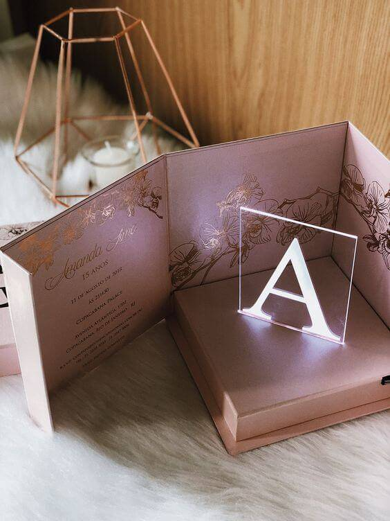 Little gift box carton