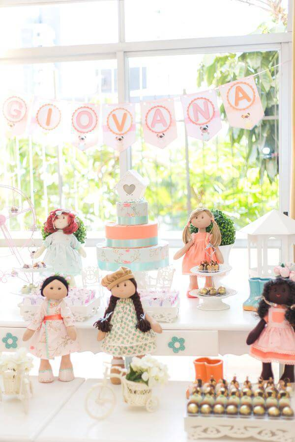 Party at home for children with doll theme