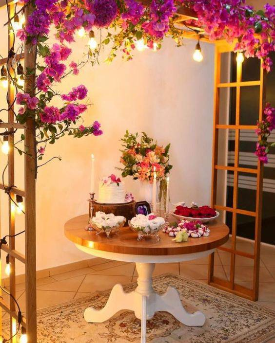 Party at home with pink flowers