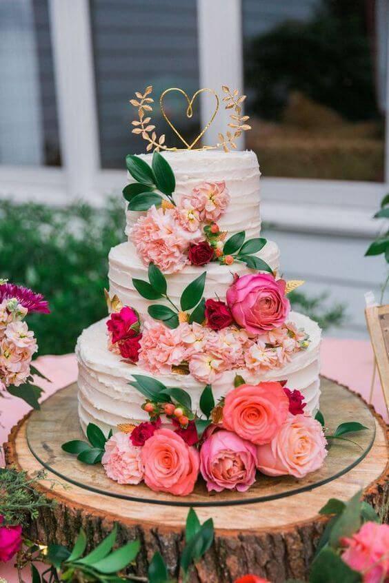 Wedding cake in artificial flower decoration
