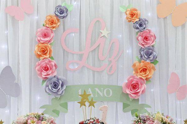 Paper flowers for 1 year party decoration