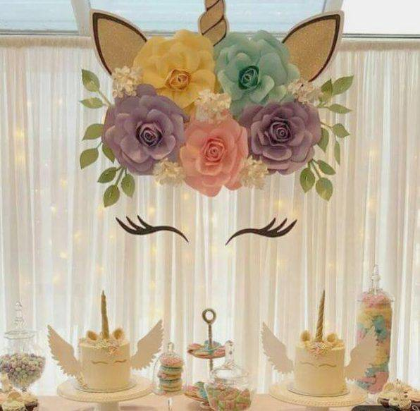 Decoration with unicorn paper flowers