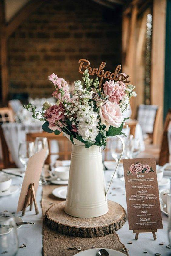 Decoration with flowers on the guests' table