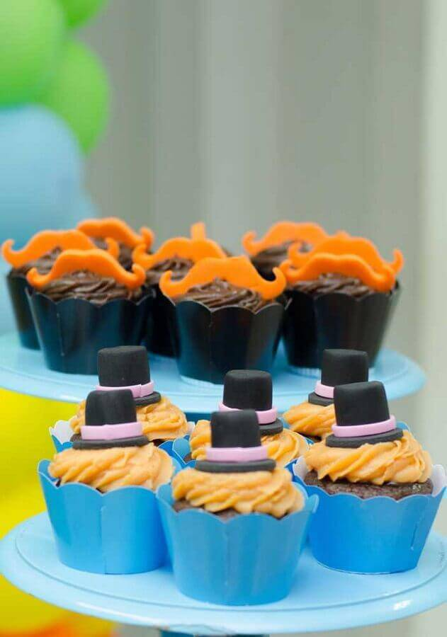 decorated cupcakes for party of the world bita Foto Pinosy