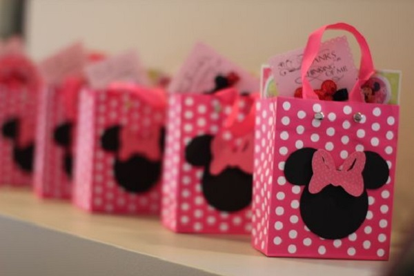 Minnie pink party souvenirs