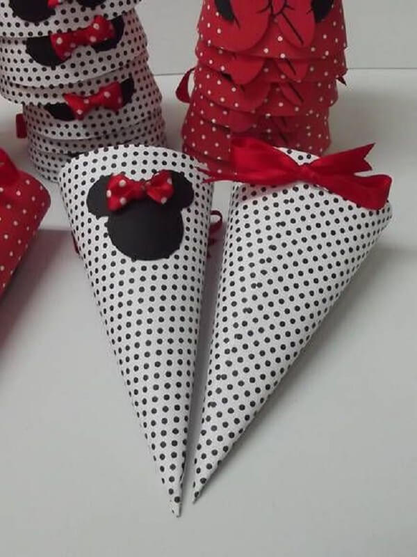 Candy cone with prints from Minnie's party red