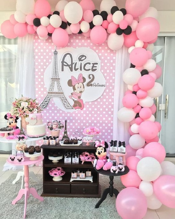 Decoration for intimate party with Minnie theme