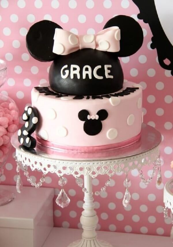 Minnie's party cake in black and pink